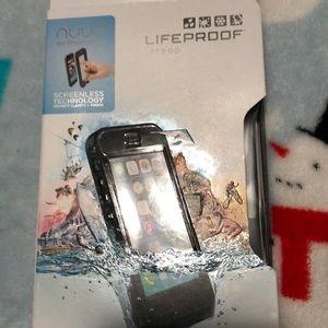 I phone 5/5s life proof case.